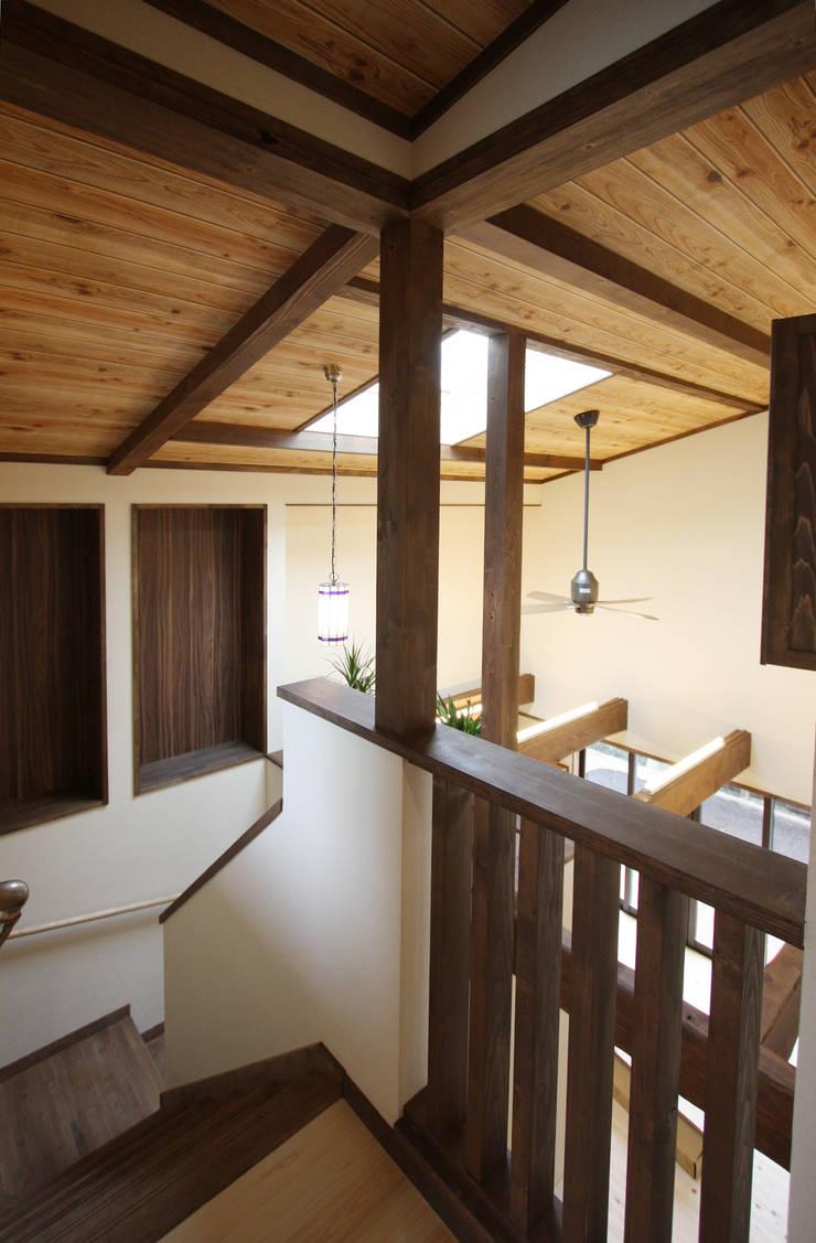 ■ Japanese Style・ジャパニーズスタイル: 株式会社アートカフェが手掛けた廊下 & 玄関です。
