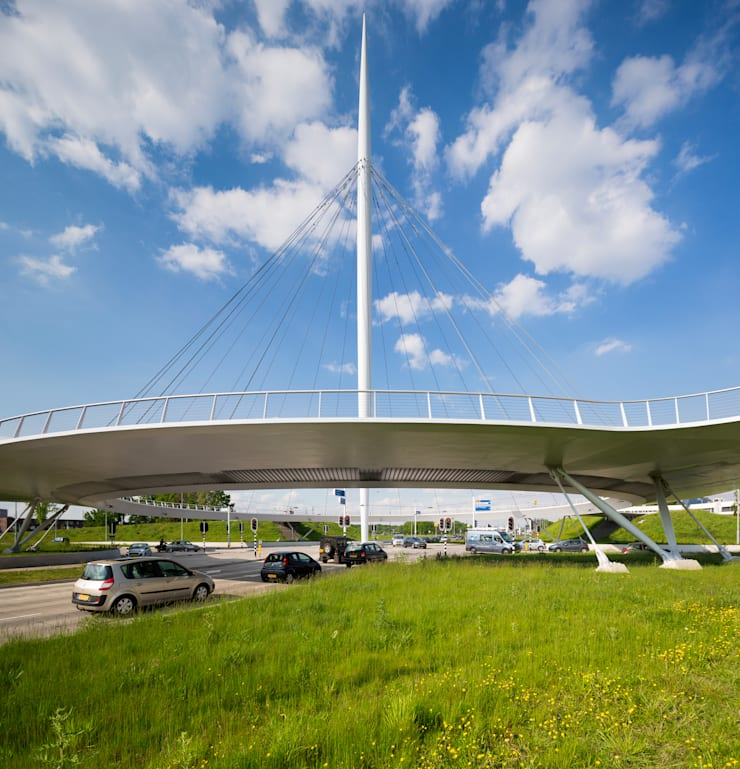 Hovenring, Eindhoven.:   door Foto Buro Brabant