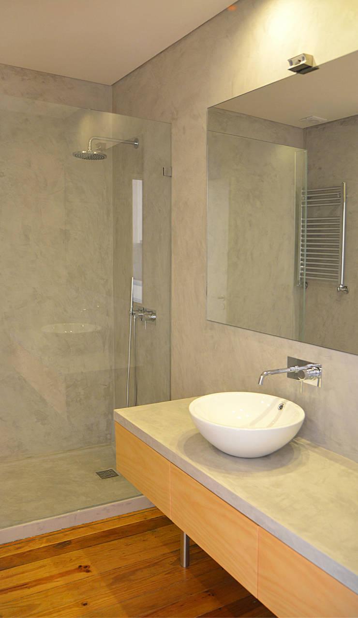 Casa de Banho: Casas de banho  por Germano de Castro Pinheiro, Lda