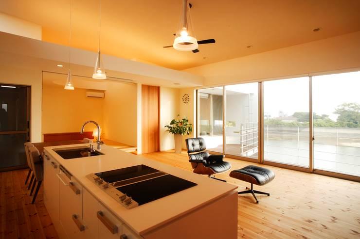 海の家Ⅰ: Y.Architectural Designが手掛けたキッチンです。