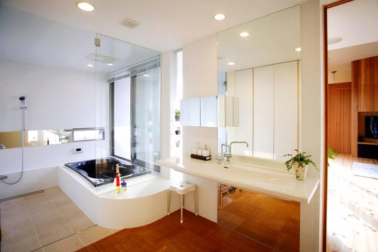 海の家Ⅰ: Y.Architectural Designが手掛けた浴室です。
