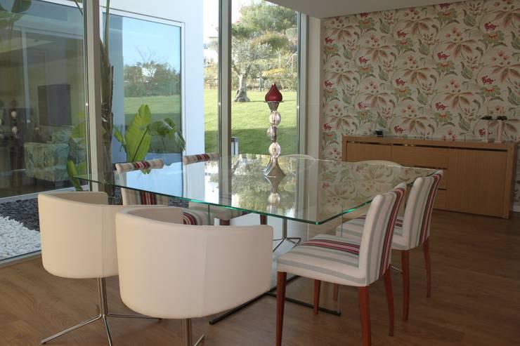 sal de jantar: Salas de jantar modernas por Joana Conceição - Architecture and Interior design