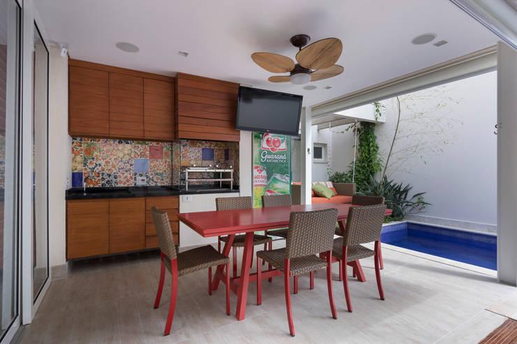 Cocinas de estilo  por Cactus Arquitetura e Urbanismo