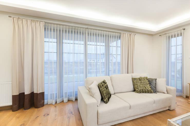 Dekoracje okienne: styl , w kategorii Salon zaprojektowany przez Han-Art