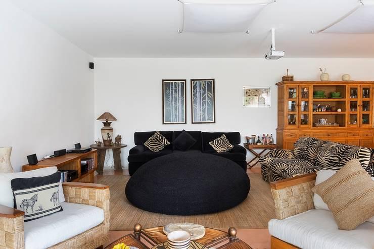 Casa Moema: Salas de estar  por Cactus Arquitetura e Urbanismo