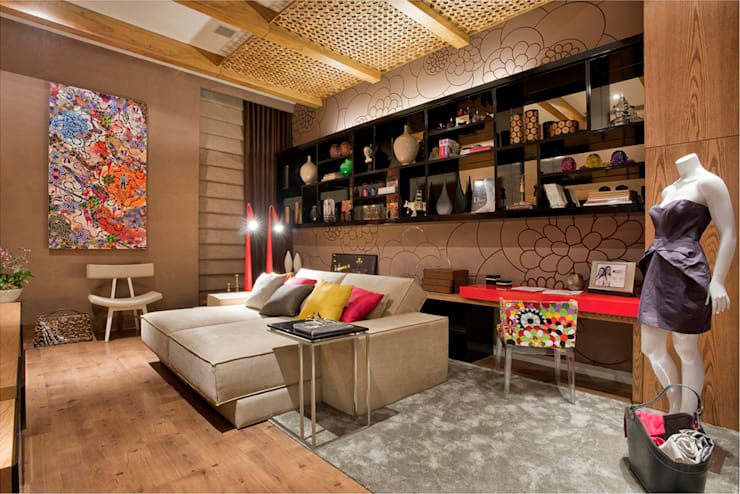 Estúdio Home Office: Salas multimídia  por Mariana Borges e Thaysa Godoy