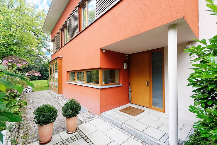 Doppel(t)haus in Gräfelfing:  Häuser von Architekturbüro Schaub