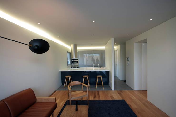 Sala da pranzo in stile  di 건축사사무소 moldproject