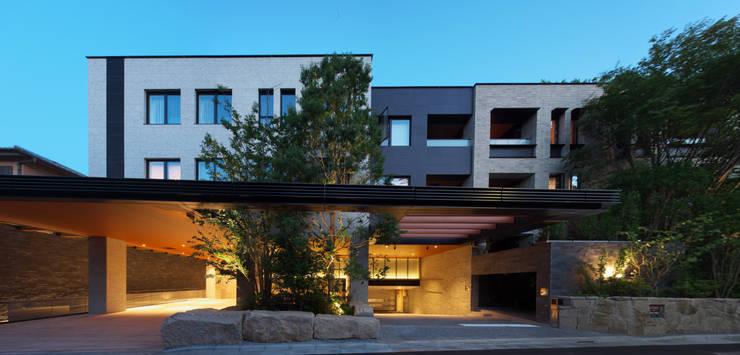 北側外観夕景: 株式会社 日建ハウジングシステムが手掛けた家です。