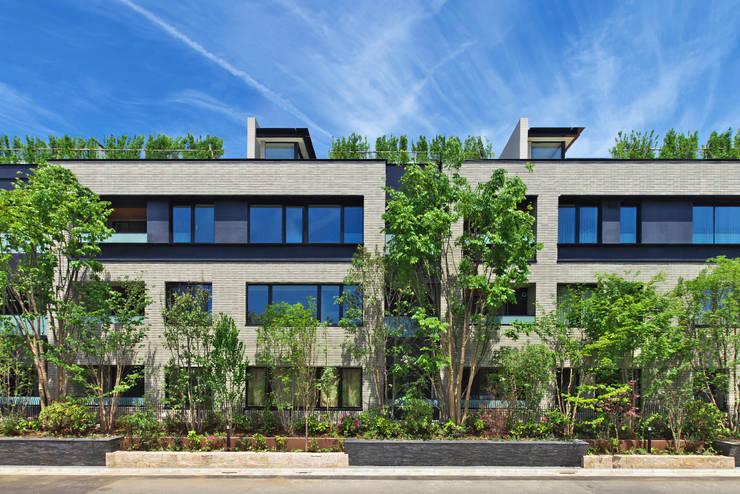 西側外観: 株式会社 日建ハウジングシステムが手掛けた家です。