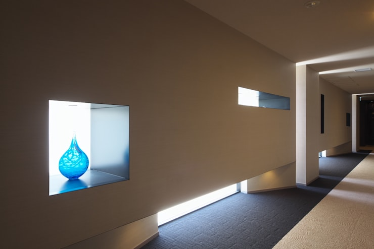 内部廊下: 株式会社 日建ハウジングシステムが手掛けた廊下 & 玄関です。