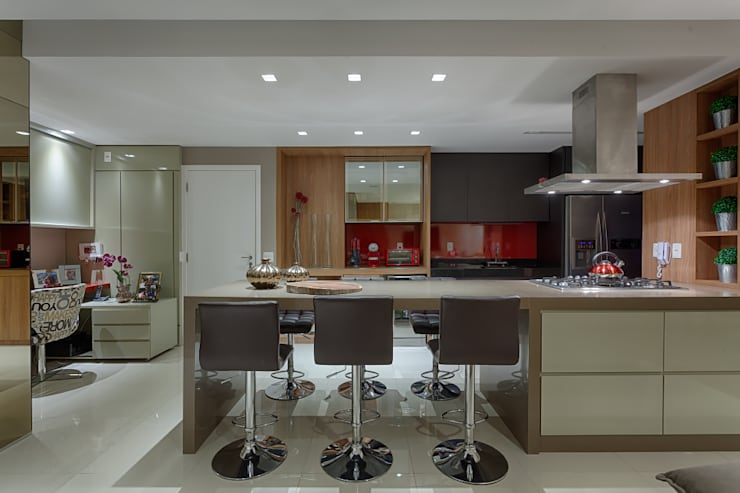 Cozinha integrada: Cozinhas  por Mariana Borges e Thaysa Godoy,Moderno