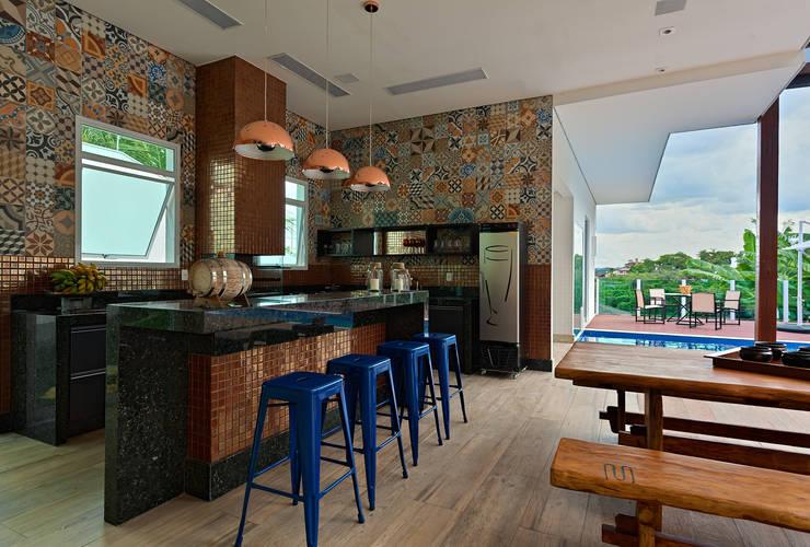 Projekty,  Kuchnia zaprojektowane przez Lucas Lage Arquitetura
