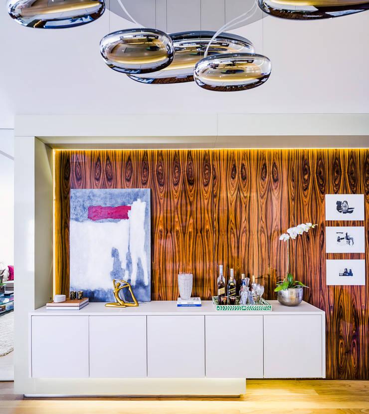 Buffet/Aparador Sala de Jantar: Salas de jantar  por Studio ML,