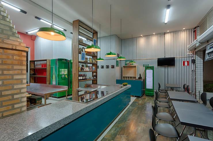 PALABRASA: Bares e clubes  por Lucas Lage Arquitetura