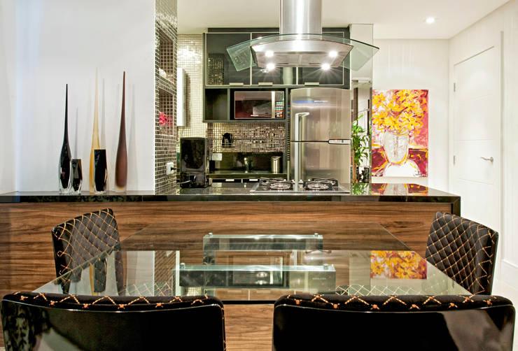 Apartamento Conjugado: Cozinhas  por Luciana Hara Arquitetura,Moderno