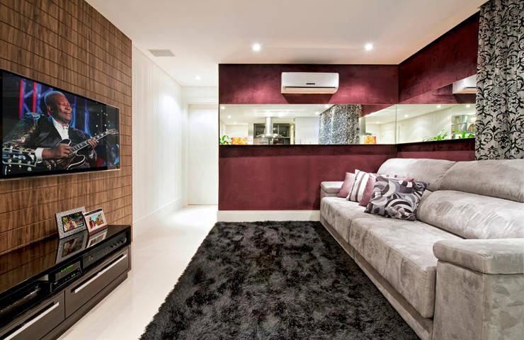 Apartamento Conjugado: Salas de estar  por Luciana Hara Arquitetura,Moderno
