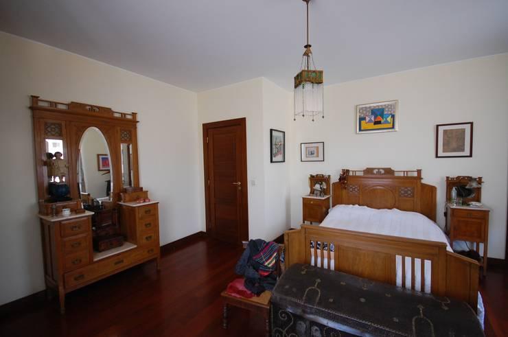 Bedroom by Borges de Macedo, Arquitectura.