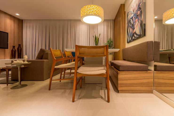 Integraçao: Estar e Jantar: Salas de estar modernas por Flávio Monteiro Arquitetos Associados