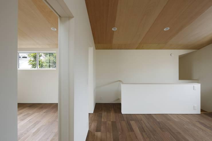 矢の口の家: 向山建築設計事務所が手掛けた子供部屋です。