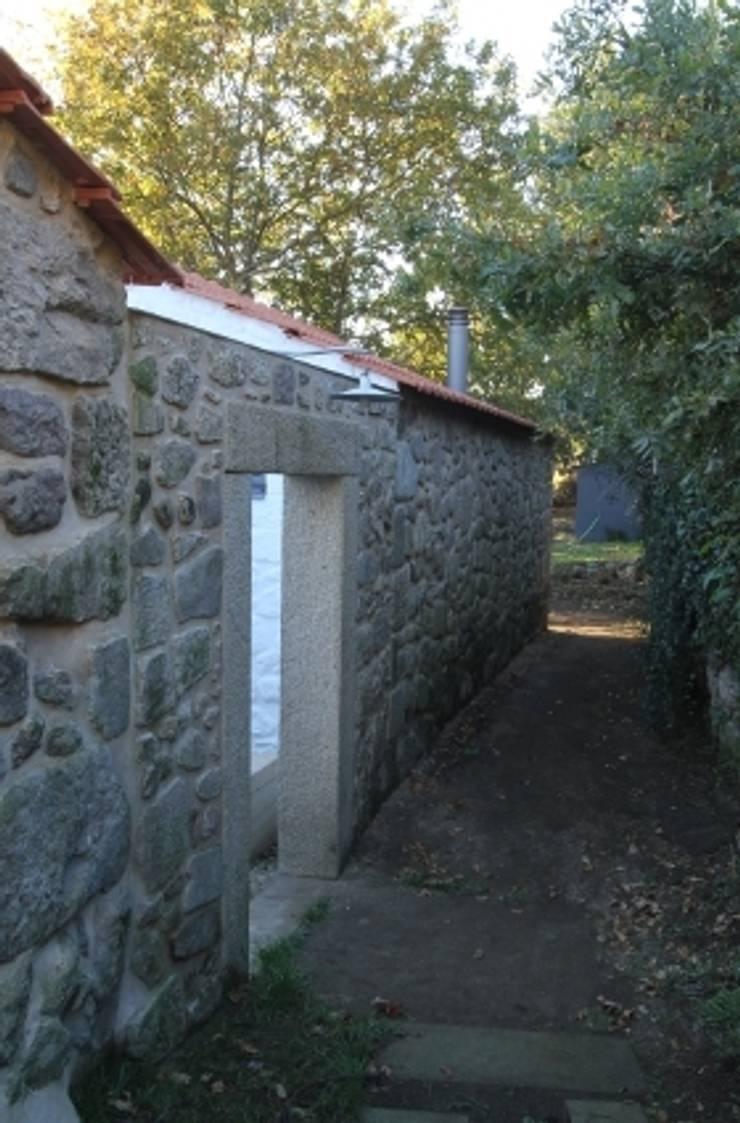 Turismo Rural em Paredes de Coura : Jardins de Inverno  por Escritorio de arquitetos