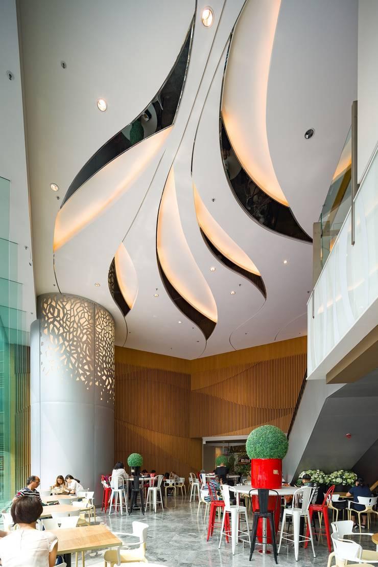 MOKO, Hong Kong by Aedas: modern  by Architecture by Aedas, Modern