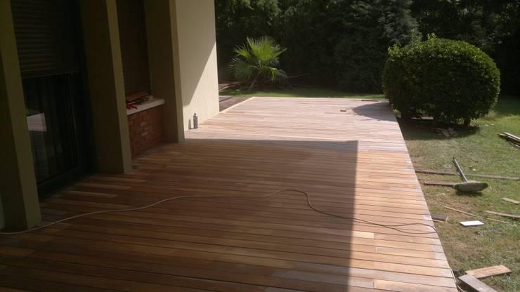 Ortaköy Parke İç Dekorasyon – Bahçe Agaç Zemin Bakım & Teak Oil Uygulama:  tarz Bahçe, Tropikal Ahşap Ahşap rengi
