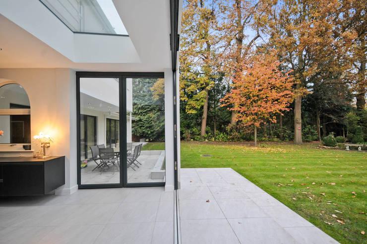 สวน by Concept Eight Architects