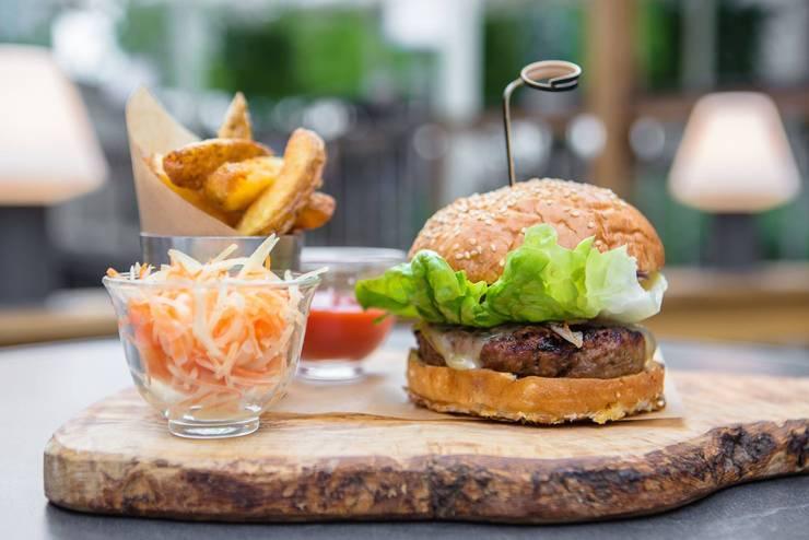 FOOD EMBASSY : Кухня в . Автор – ROOMERS