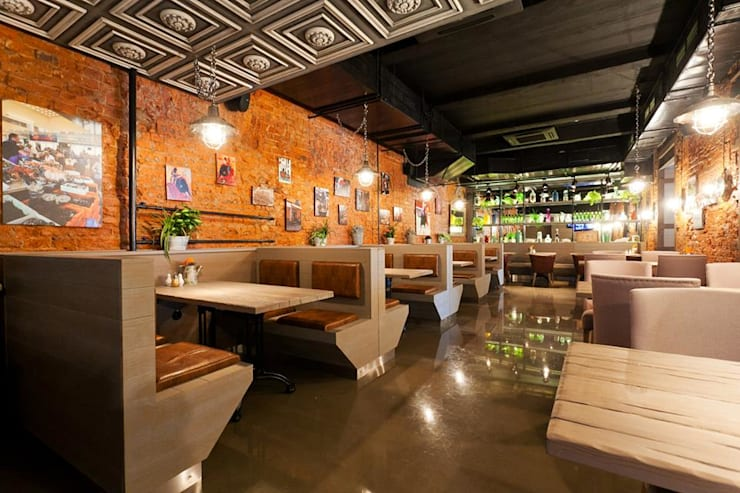 EL BASCO TAPAS bar: Гостиная в . Автор – ROOMERS