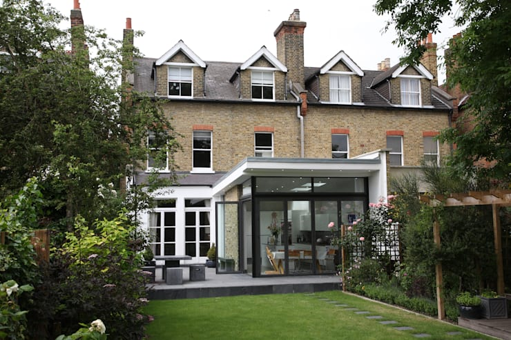 Merton Hall Road: modern Garden by Concept Eight Architects