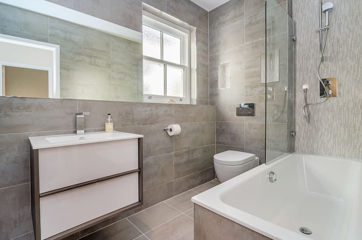 Oakhill Road, Putney:  Bathroom by Concept Eight Architects