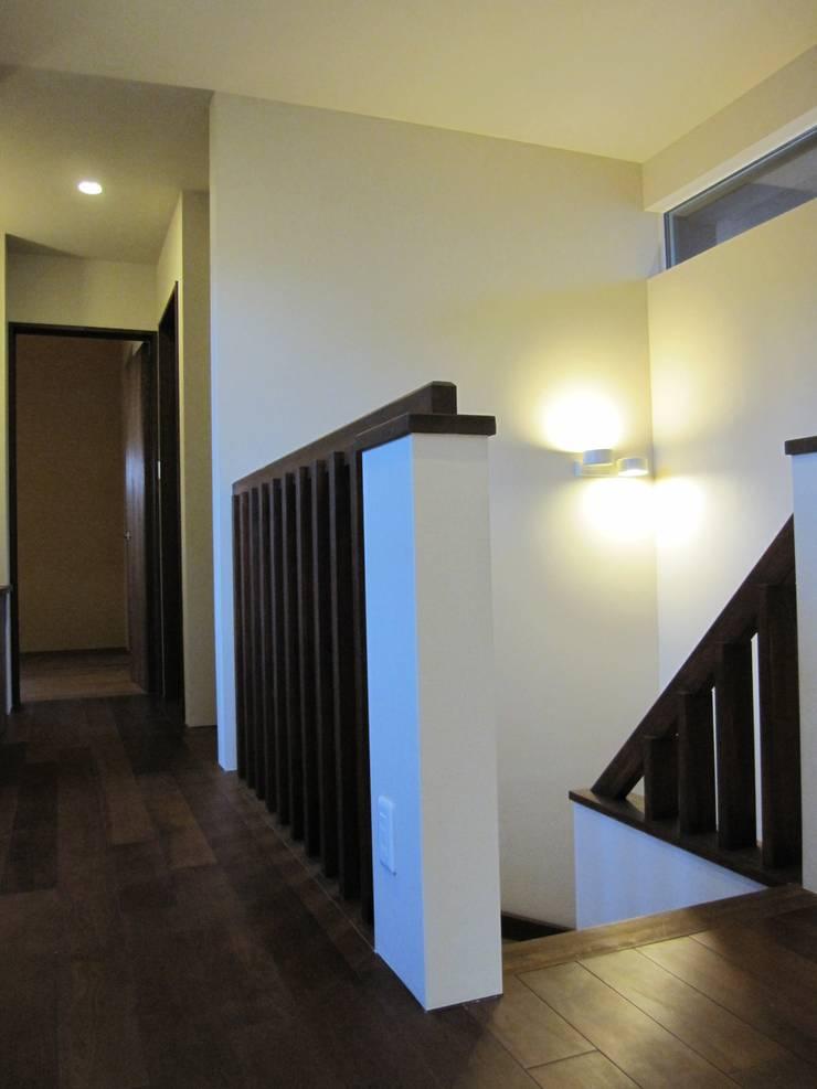 .: info7900が手掛けた廊下 & 玄関です。