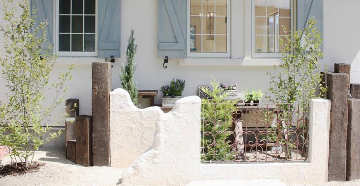 ■ French Country Style・フレンチカントリースタイル: 株式会社アートカフェが手掛けた庭です。
