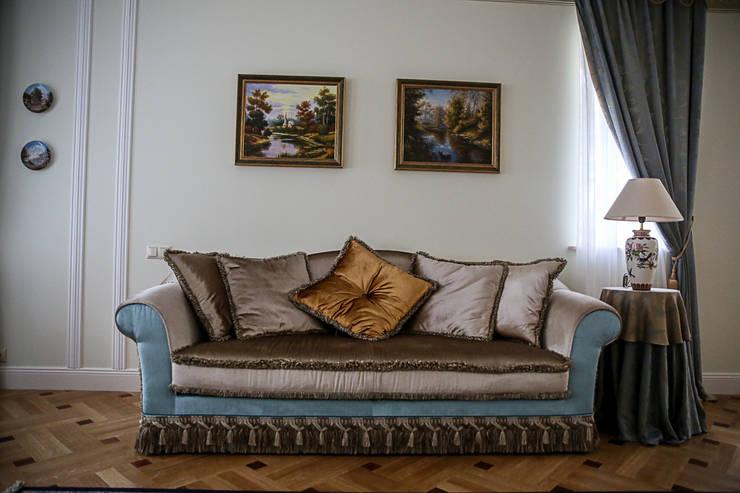 Дворянский особняк: Гостиная в . Автор – Designer Olga Aysina
