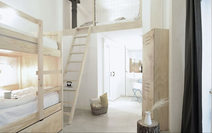 The hat: Dormitorios de estilo  de aaprile
