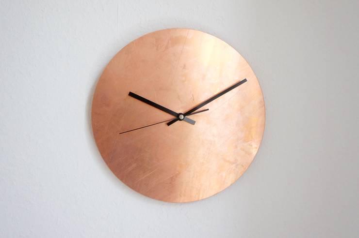 Copper Raw Wanduhr:  Wohnzimmer von Calvill