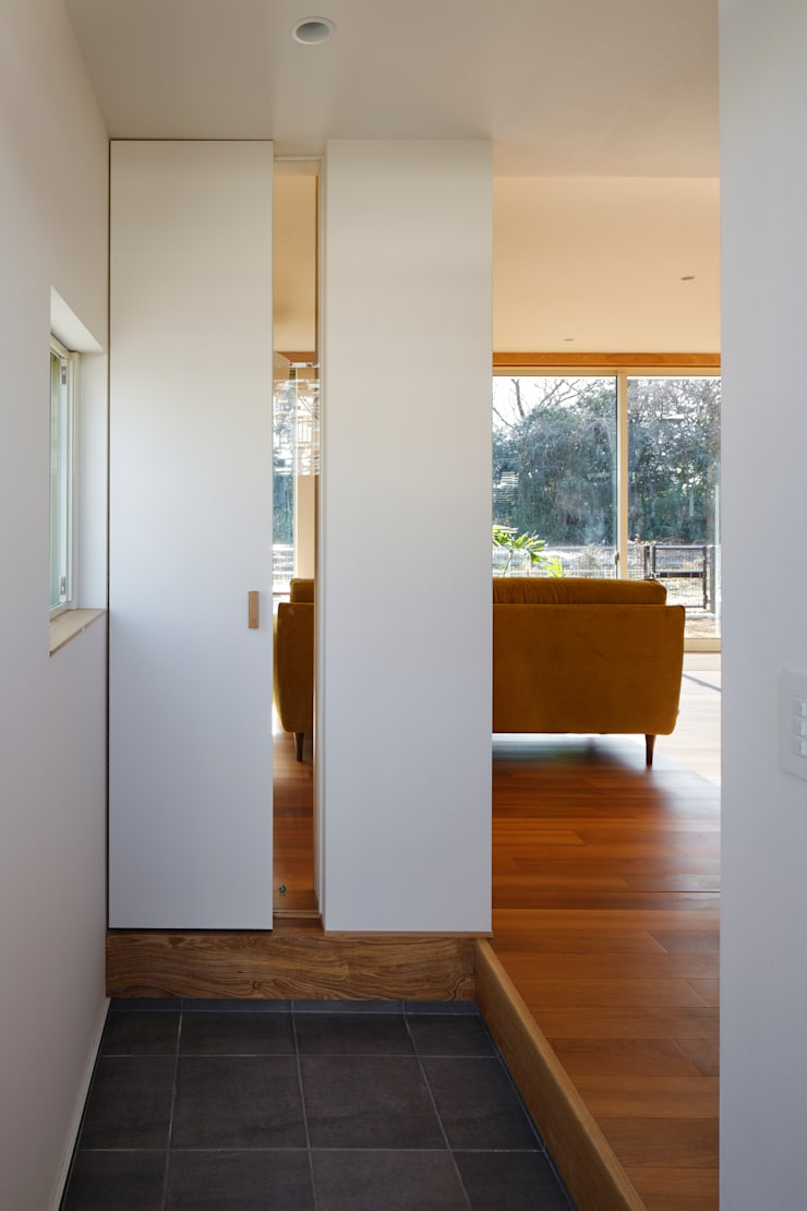 寺尾台の家: 向山建築設計事務所が手掛けた和室です。,
