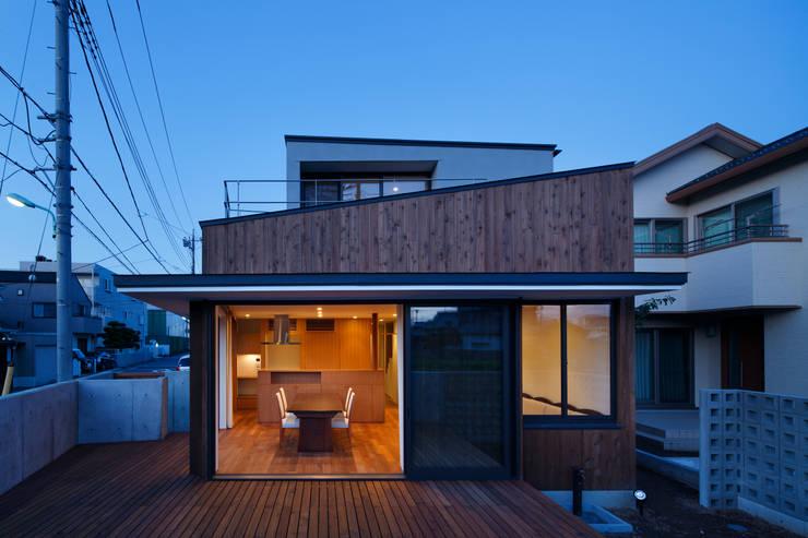 東金町の家: 向山建築設計事務所が手掛けた家です。