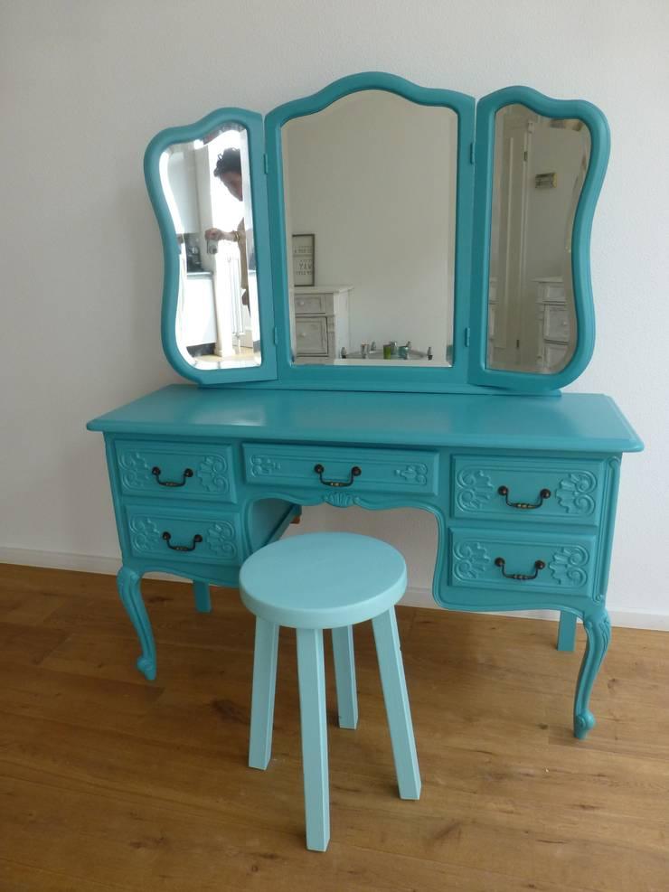 Dressing table.:   door Happykidsart, Landelijk Hout Hout