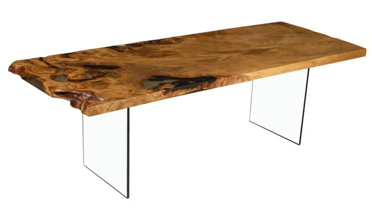 Massivholztisch auf Glasfüßen:  Esszimmer von Möbelkreationen Beaupoil
