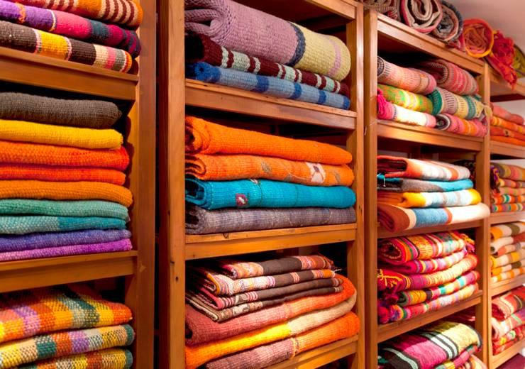 Nuestra casa: Hogar de estilo  por Tienda de Costumbres