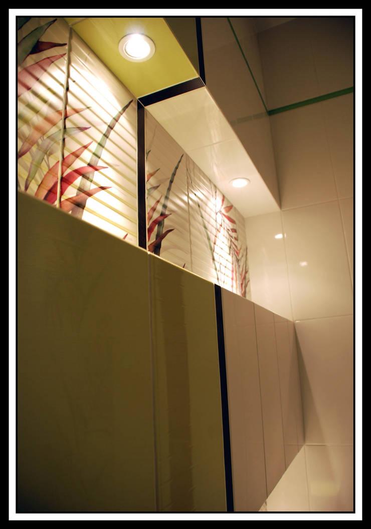 Квартира на Ульянова: Ванные комнаты в . Автор – Дизайн-студия «ARTof3L»