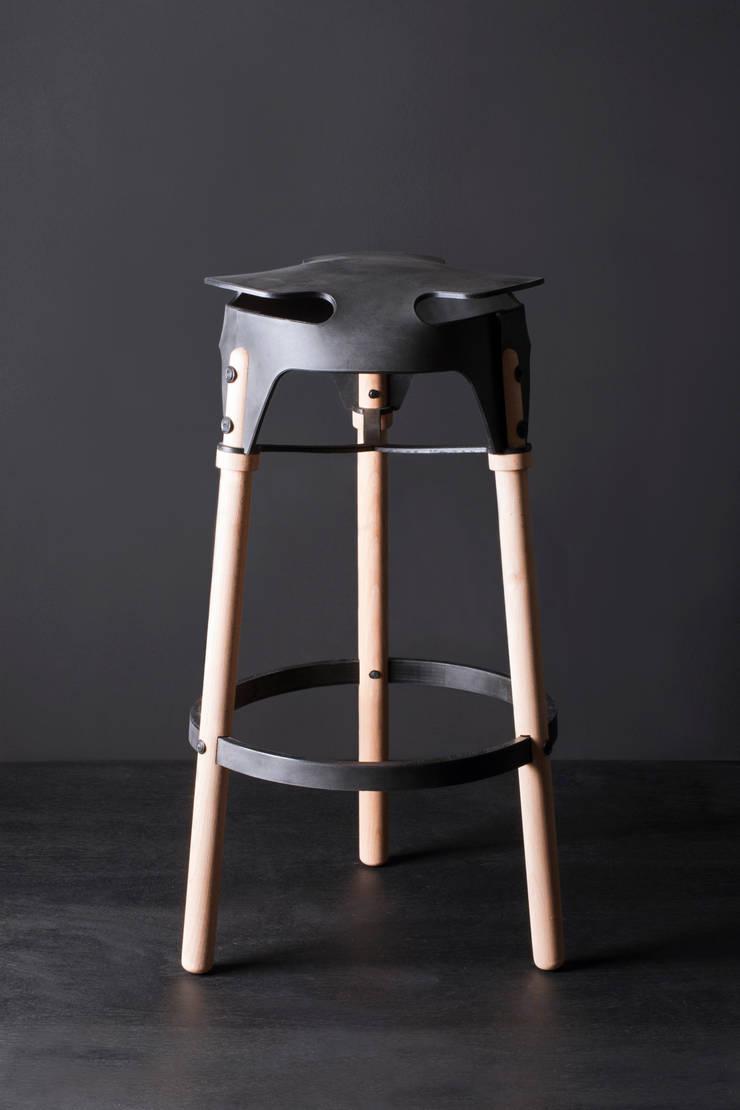 Weld Stool Bar: modern  door Studio Joris de Groot, Modern