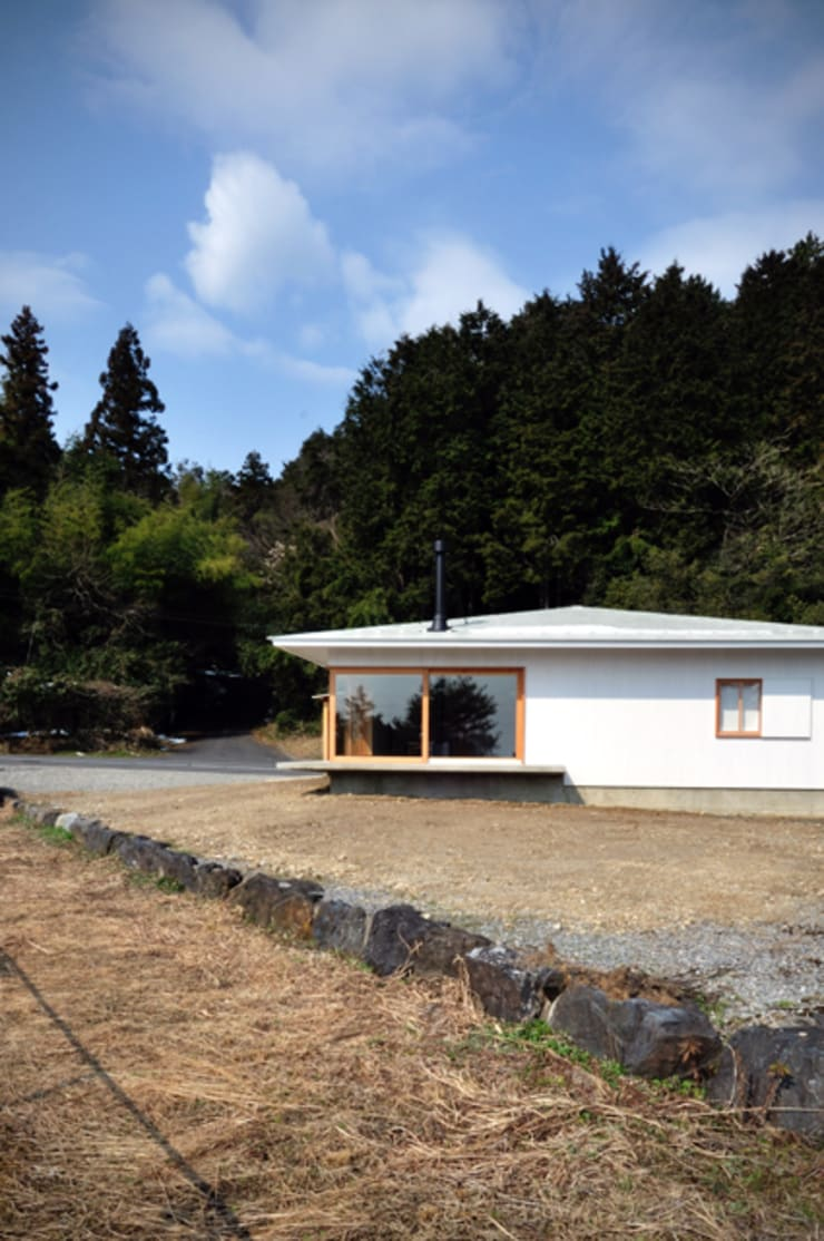 池田町の平屋 モダンな 家 の スペースワイドスタジオ モダン