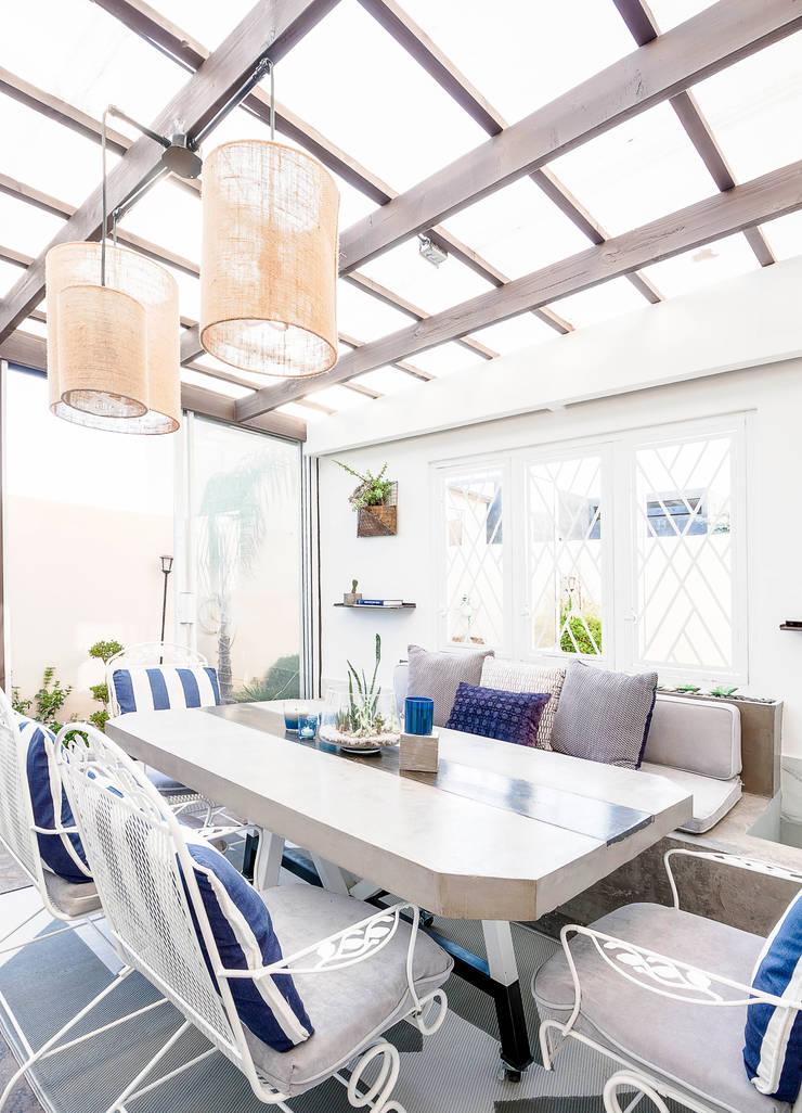 SAN MARINO I BH: Casas de estilo  por SZTUKA  Laboratorio Creativo de Arquitectura