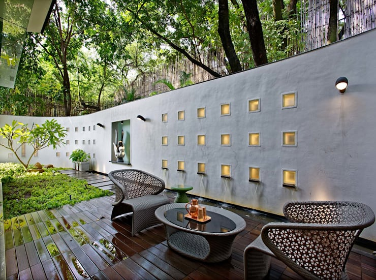Nest - Private residence at Koregaon Park:  Terrace by TAO Architecture Pvt. Ltd.