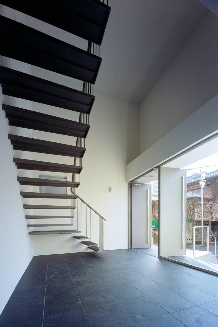 Salle multimédia de style  par 向山建築設計事務所, Moderne