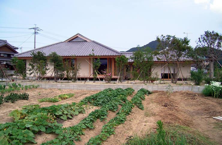 Rumah by 計画工房 辿