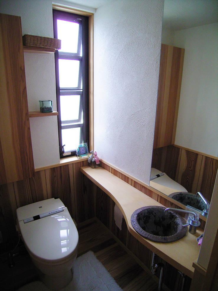 手洗い: 計画工房 辿が手掛けた浴室です。,